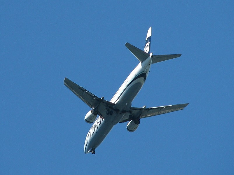 Alaska Airlines Jet coming in for a landing